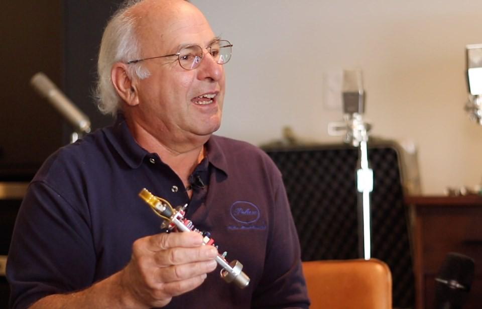 John Peluso、Chris 谈话筒设计及应用